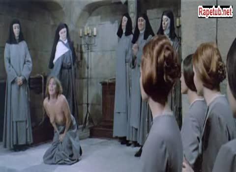 Голую послушницу монастыря секут розгами.