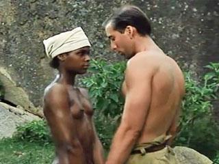 Солдат настоян на сексе с молодой чернокожей девушкой