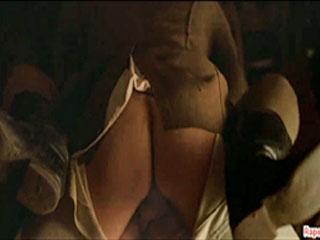 Солдат трахает толстую женщину.