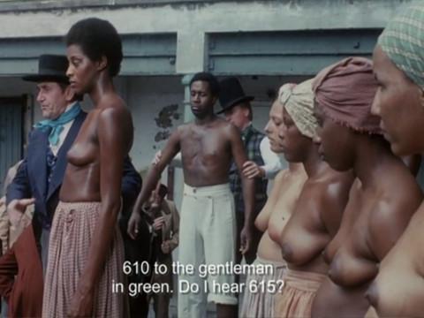 Белый плантатор насилует жен своих рабов