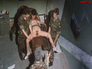 Солдаты пытают и насилуют девушку бутылкой