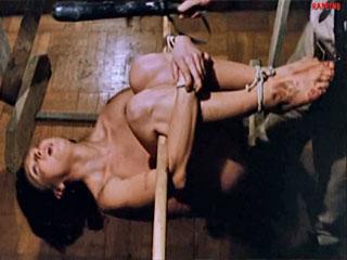 Насилие и пытки женщины в ЦРУ