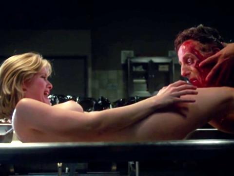 Зомби пытаются изнасиловать девушку без сознания
