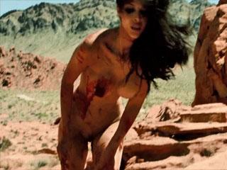 Ужасные мутанты мучают девушку