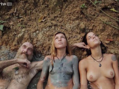 Европейская женщина познает дух амазонки