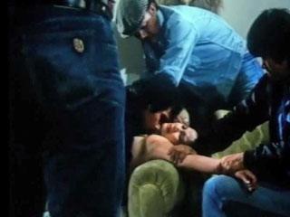 Бандиты напали на жену и по очереди отымели ее