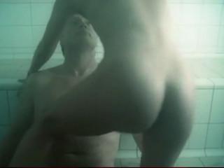 18-летняя Ирина Бьёрклунд в откровенной секс сцене