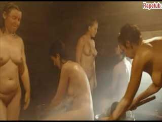 Драка на женской зоне в бане.