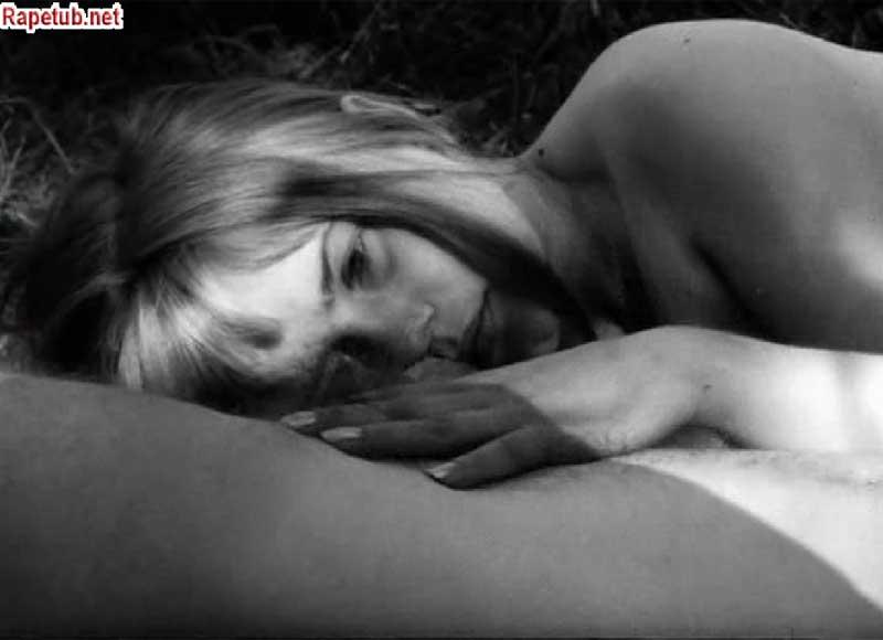 Лена Нюман в секс сцене