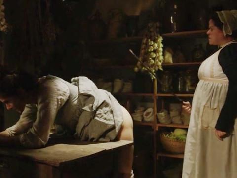 Влюбленная служанка убегает с любовником от рабства