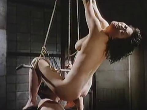 Несчастные женщины были проданы в рабство