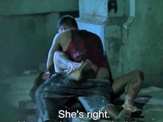 Мародеры ловят женщин во время замлетрясения