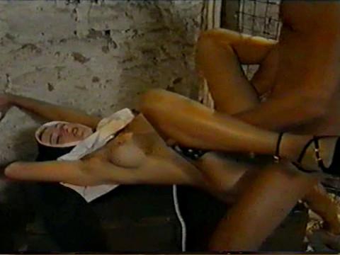 ретро порно фильмы со сценами изнасилования