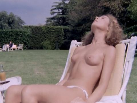 16-ти летняя Луиза Манери