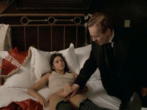 Сцены принудительного секса в художественных фильмах, киска зрелой женщины фото