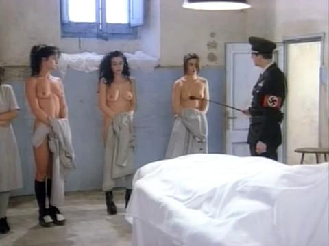 Фашисты насилуют взятых в плен женщин