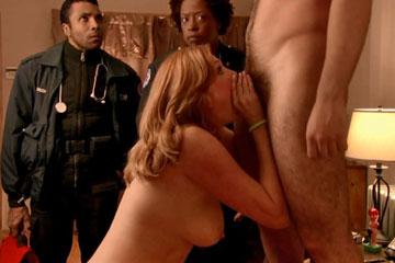 Смотреть мужской член застрял у девушки в горле