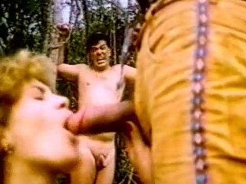 Сильный индеец побеждает мужей и берет силой их жен