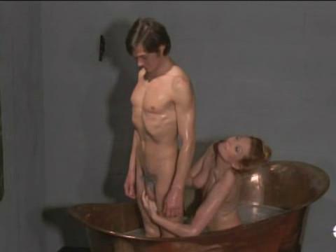 Голый секс 1973
