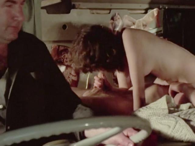 Водители грузовиков трахают девушку автостопщицу