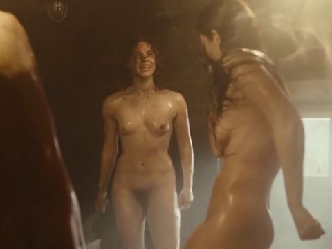 Драка в женской бане.