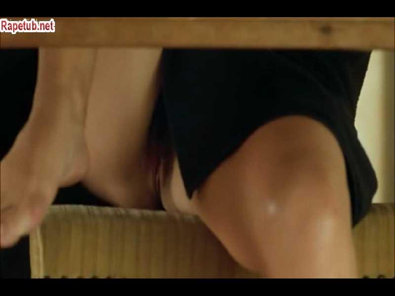 Видео подглядел под столом — pic 14