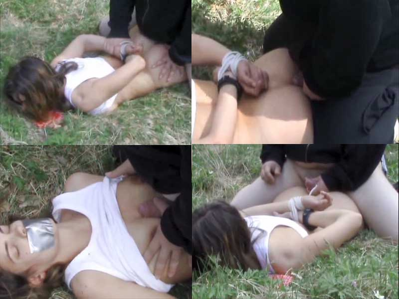 Порно ебут девушек связали и трахнули в лесу член частное