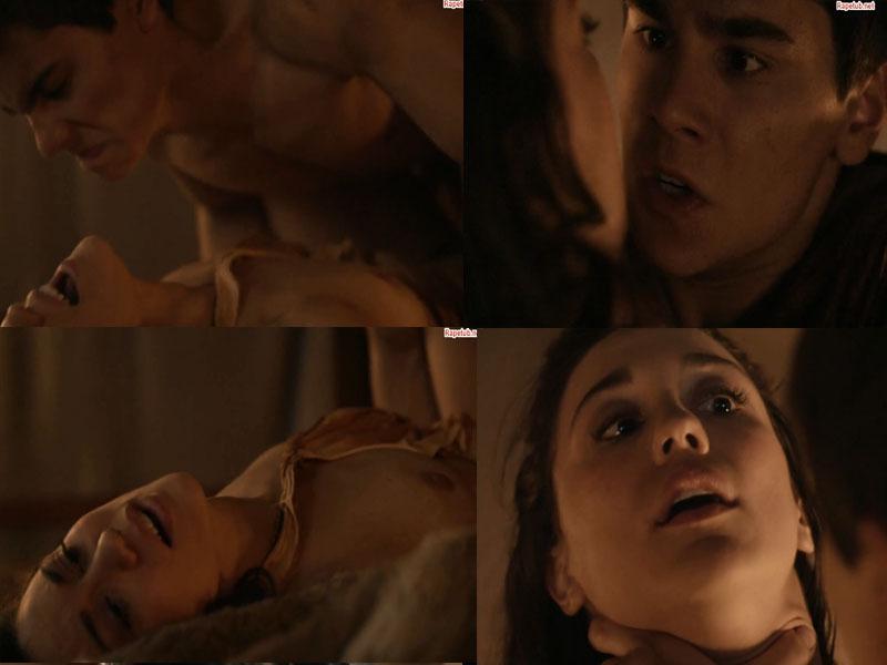 Порно сцена из фильма с мачехой
